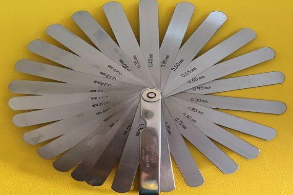 Bộ căn lá 0,05~1mm 28 lá Mitutoyo, 184-303S