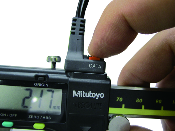 Cáp kết nối U-WAVE-T với thiết bị đo điện tử loại thẳng Mitutoyo, có nút nhấn dữ liệu, 02AZD790C