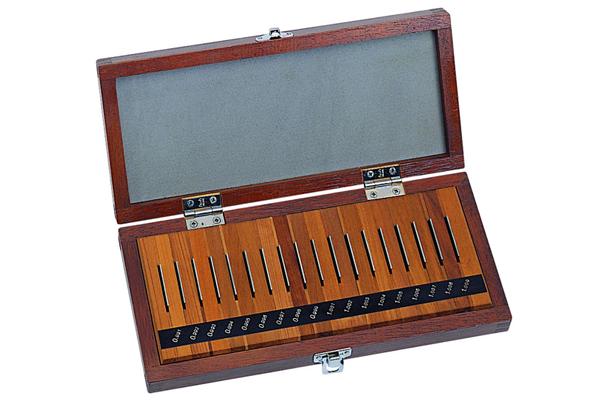 Bộ Căn Mẫu Thép 18 khối cấp 1 Mitutoyo, 516-975-10